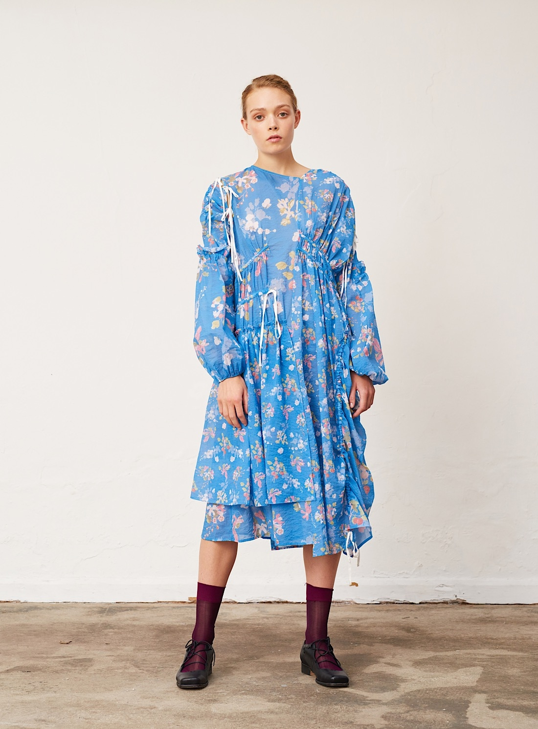 24116-young-british-designers-blue-fruit-and-floral-dress-by-renli-su_raw.jpg