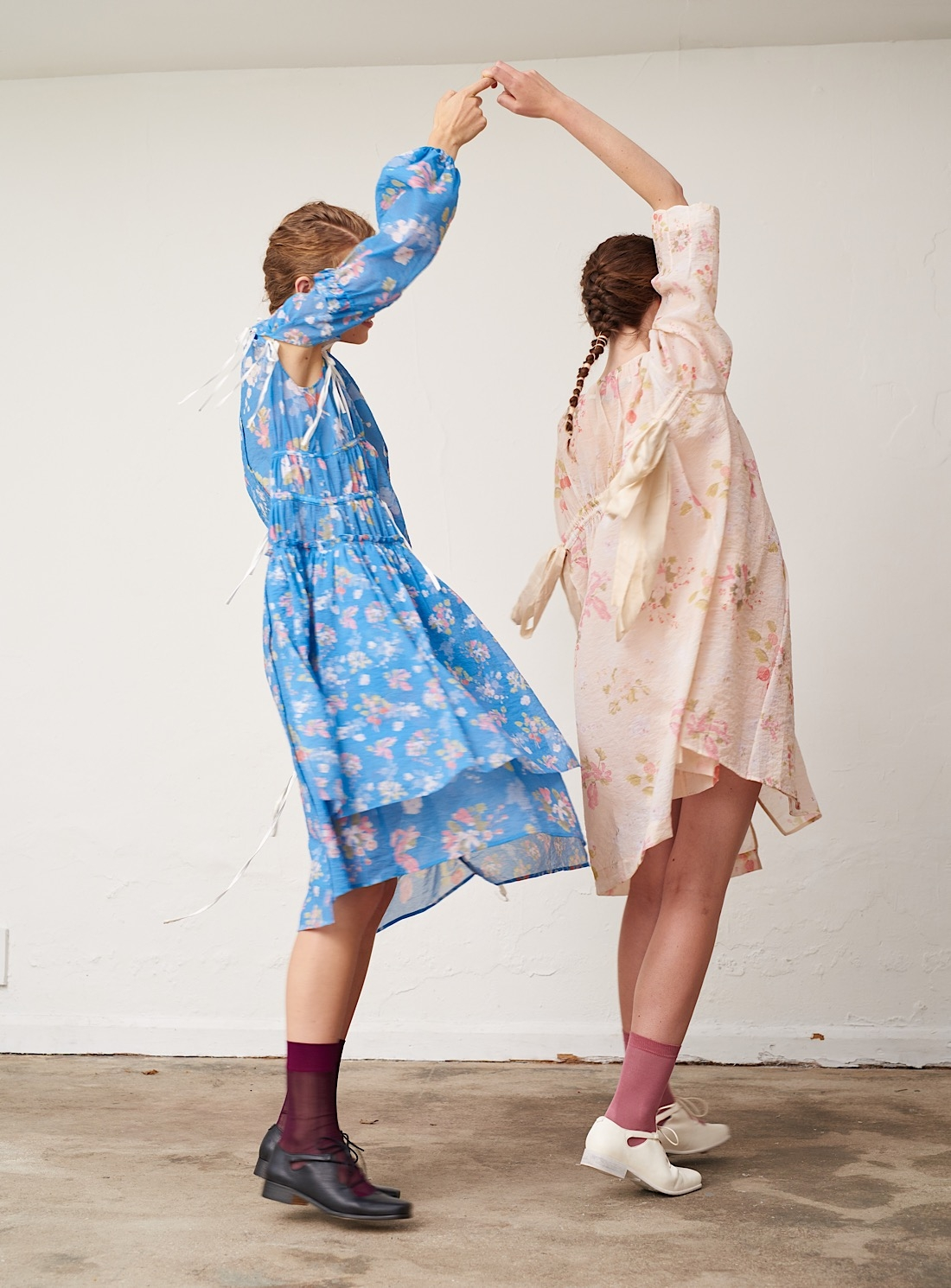 24114-young-british-designers-blue-fruit-and-floral-dress-by-renli-su_raw.jpg