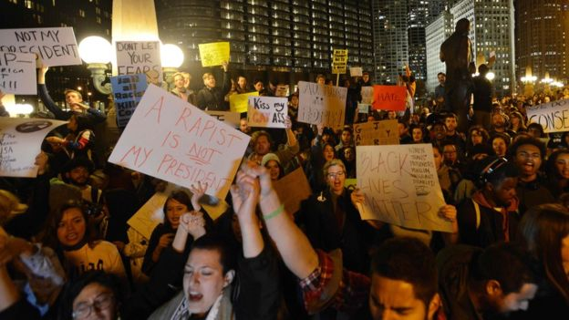 Anti-Trump protesters in Chicago after the election result  (Photo: Paul Beaty/AFP)