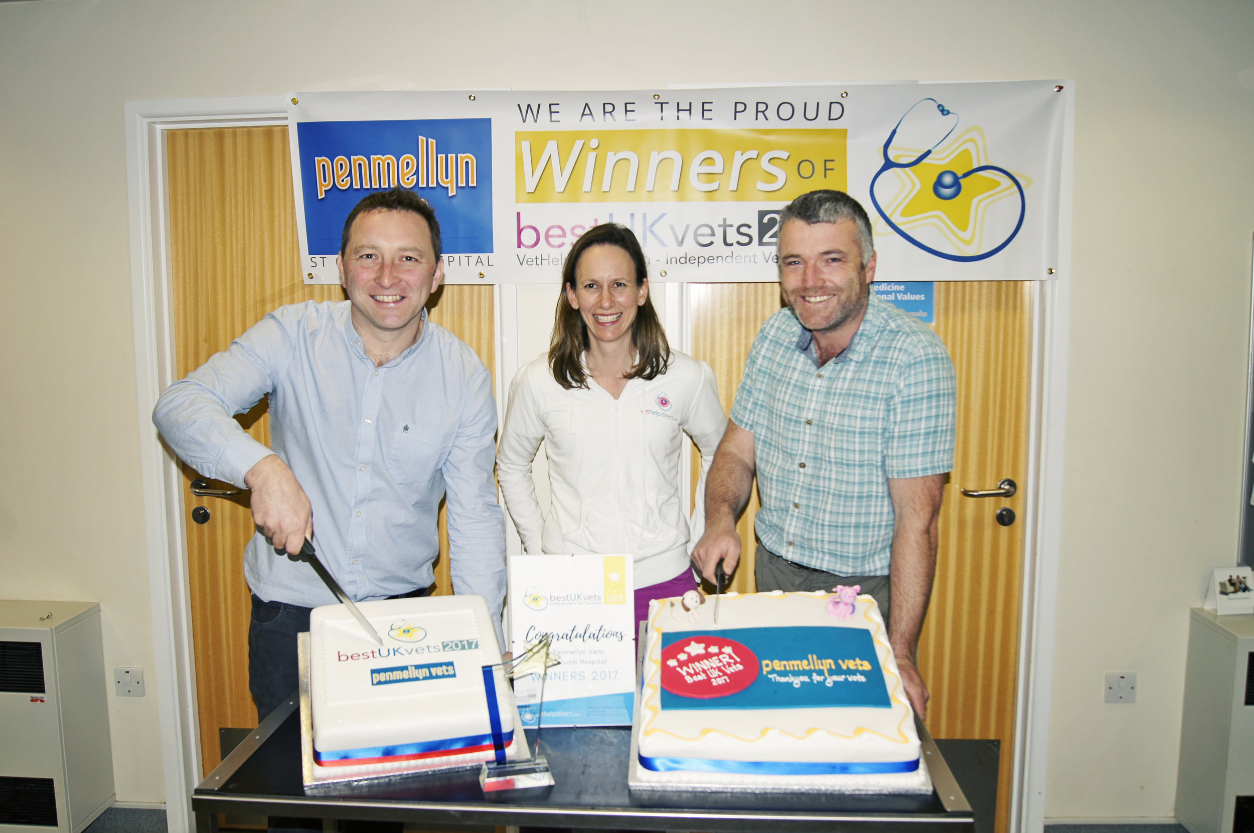 Penmellyn Directors Philip Harris (left) and Peter Murrish (right), receiving award from VetHelpDirect founder Susie Samuel