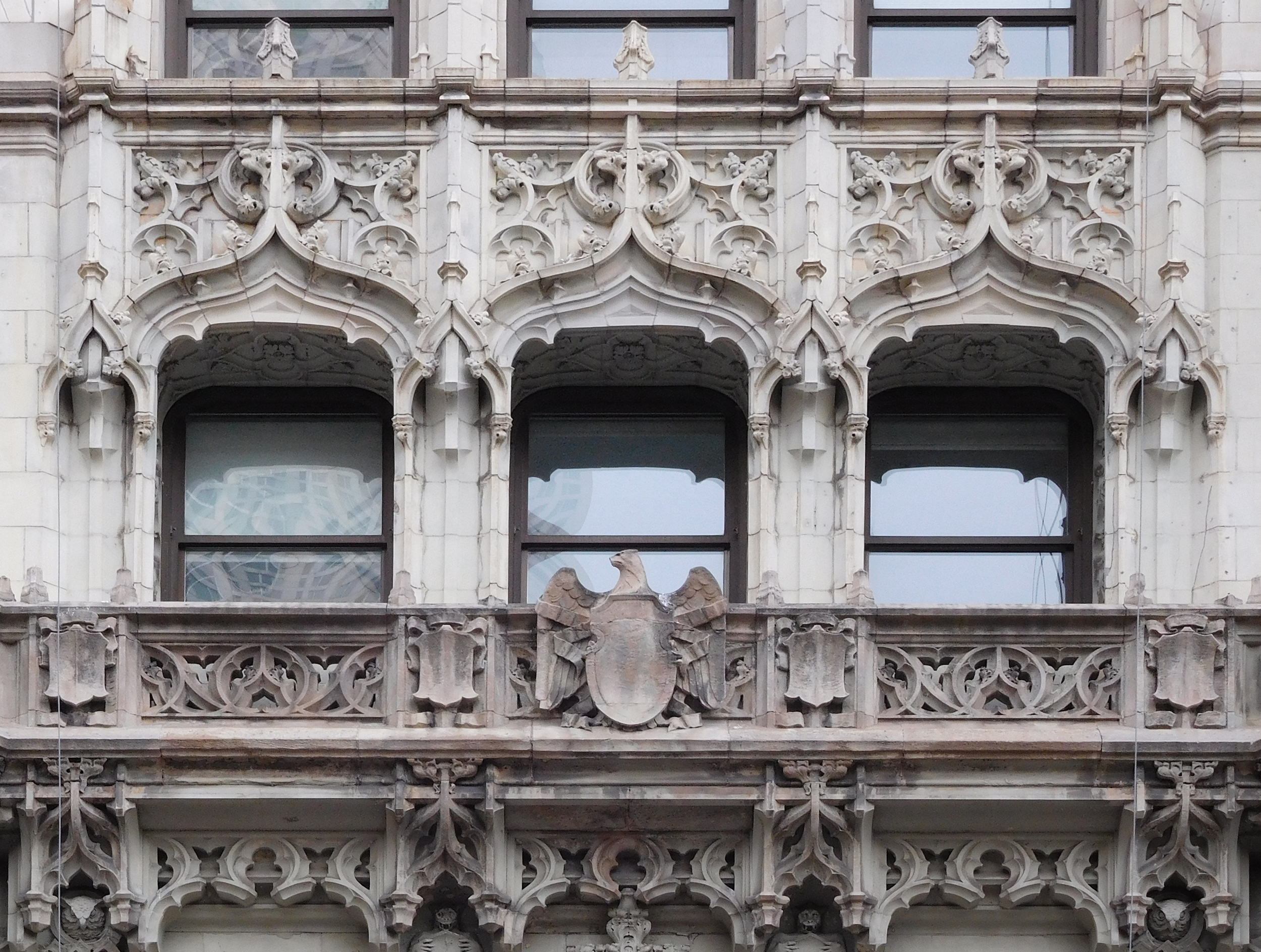 Woolworth Building, 233 Broadway by Cass Gilbert – 1913