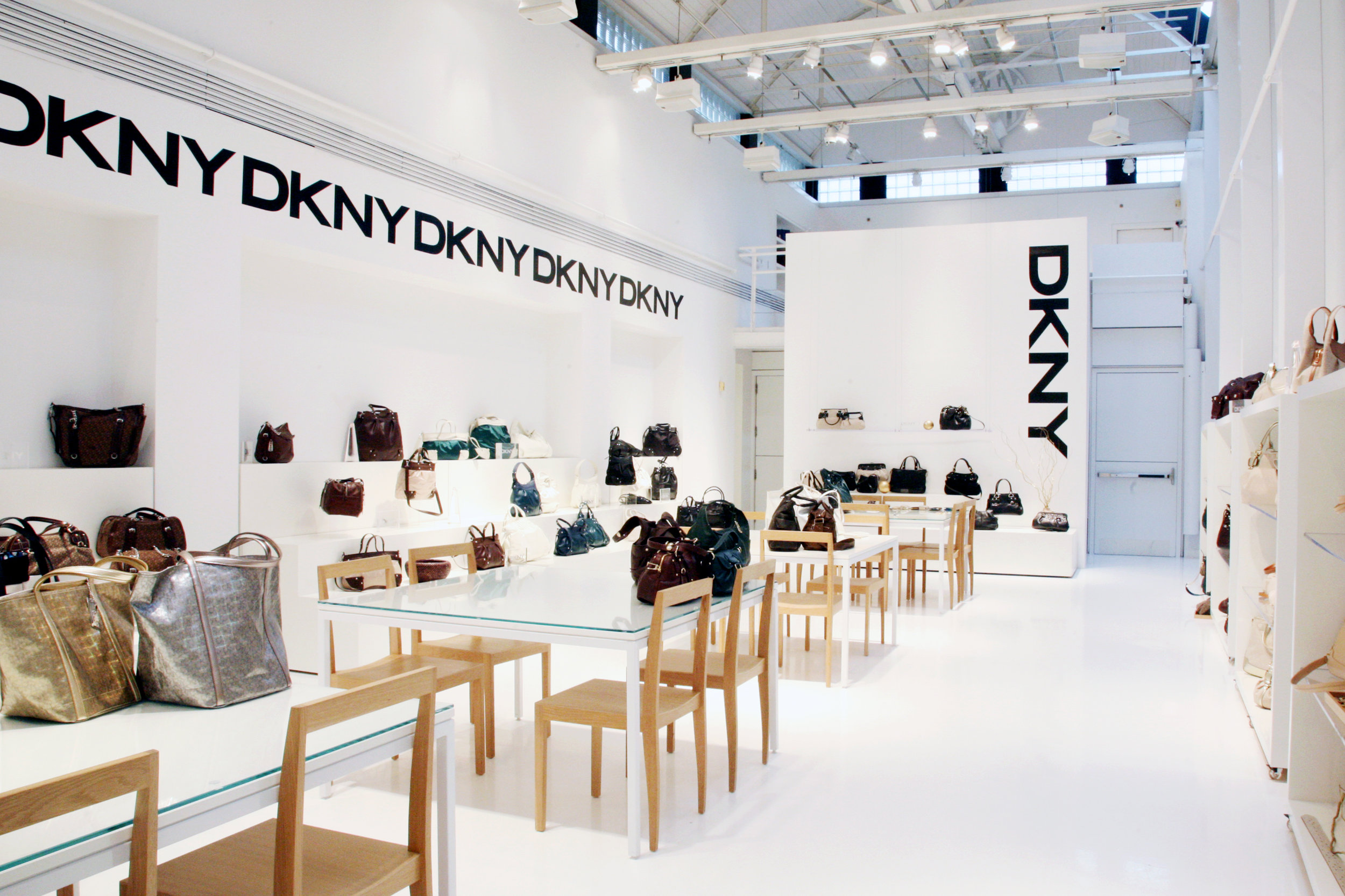 DKNY_showroom_bags_RT.jpg