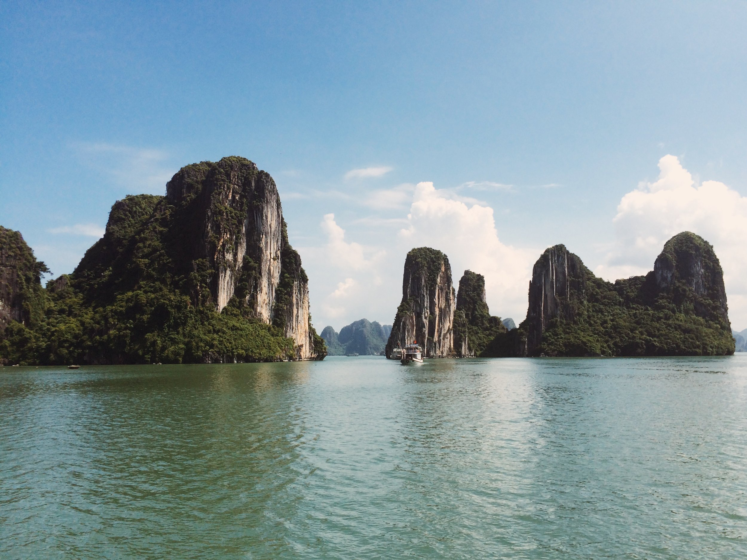In 2012, New 7 Wonders Foundation officially named Halong Bay as one of New 7 Natural Wonders of the World. It is also a member of the Club of the Most Beautiful Bays of the World.
