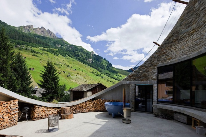 House inside mountain2.jpg
