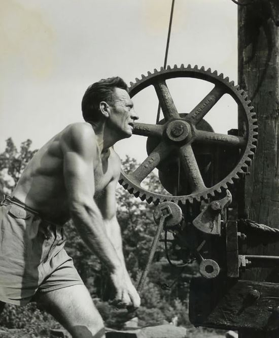 Harvey Fite at work, image source https://www.opus40.org/