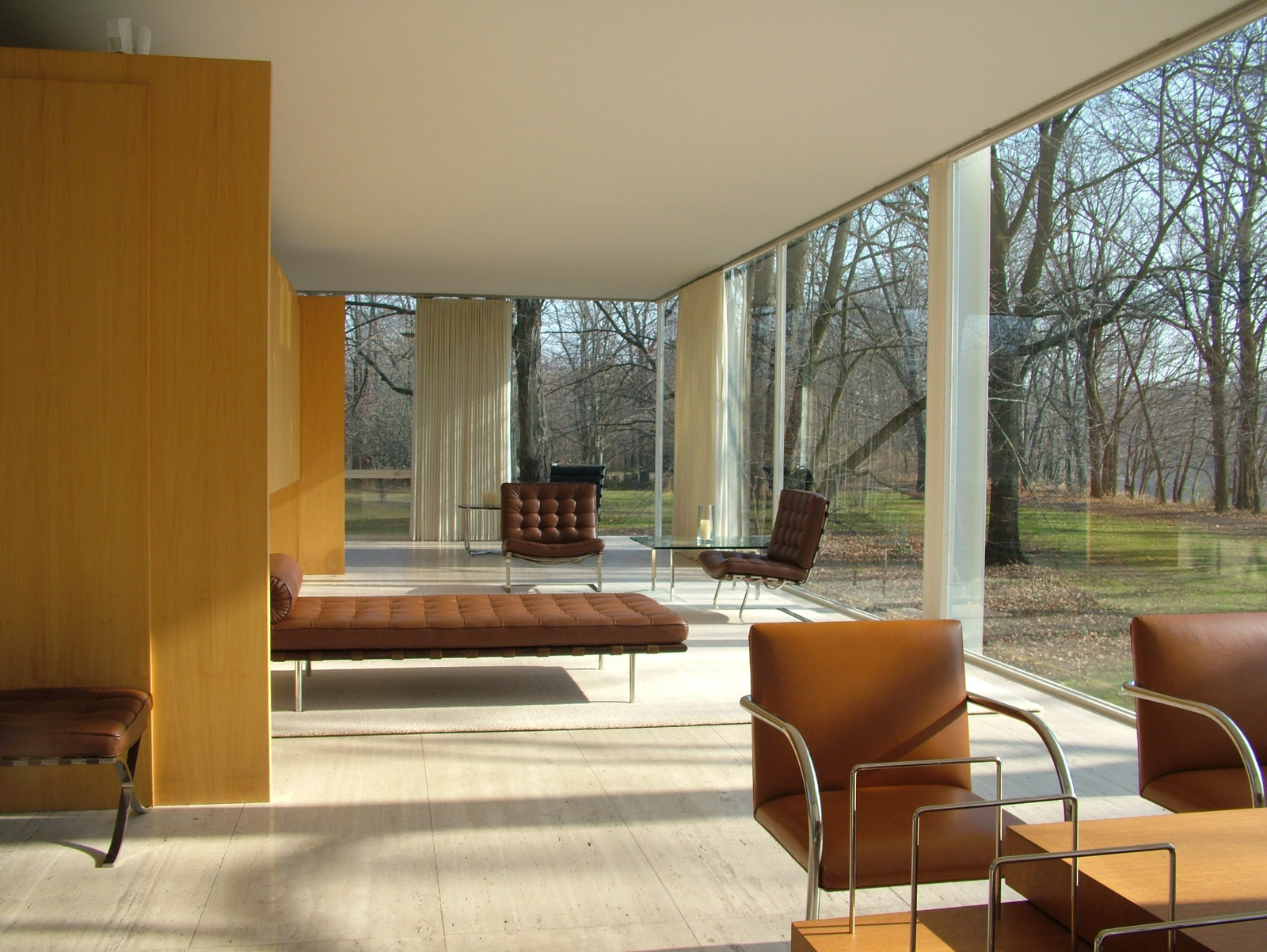 farnsworth house best interior.jpg