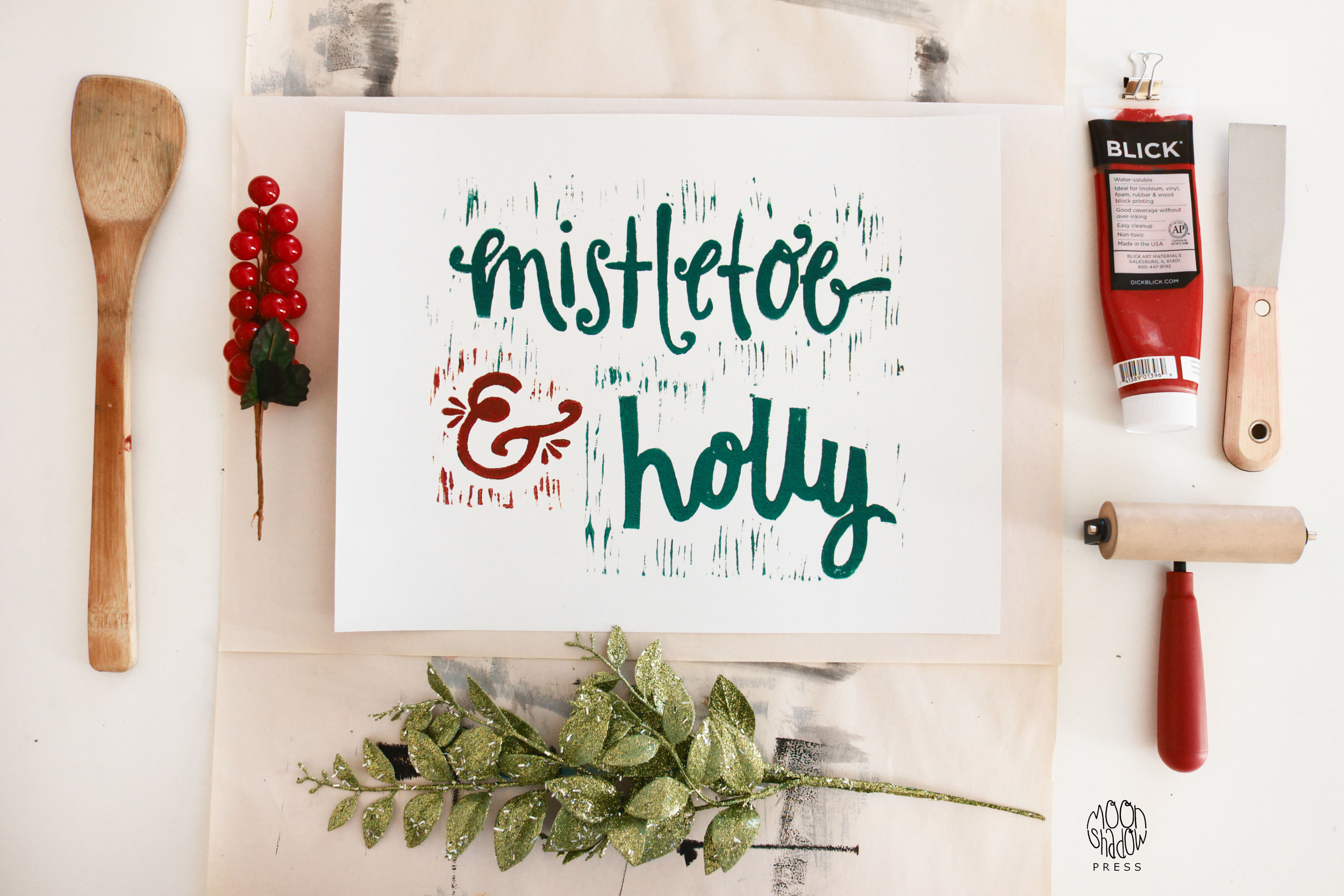 product_P_mistletoeholly2_logo.jpg