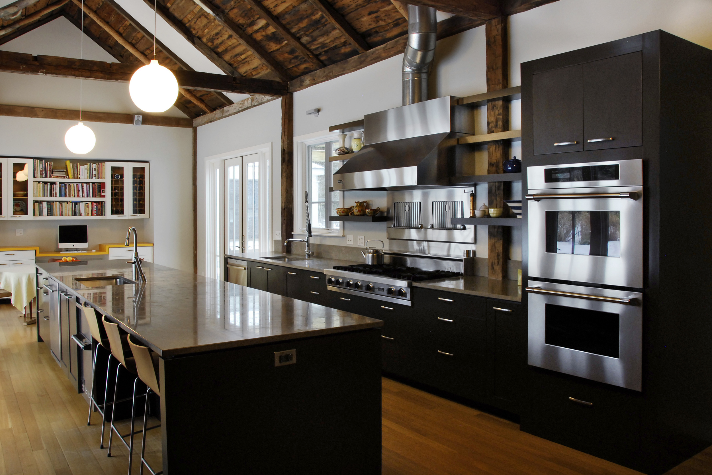 Lakeville Residence_Kitchen1.jpg