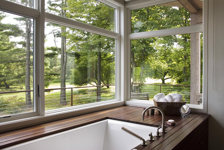 04_McGhee Hill Residence_Guest Bathtub.jpg