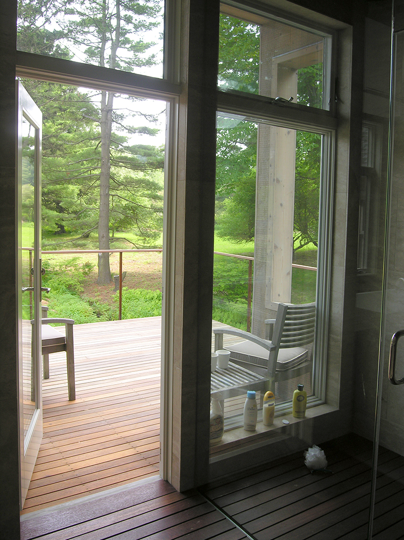 06_McGhee Hill Residence_Guest Bath Balcony.JPG