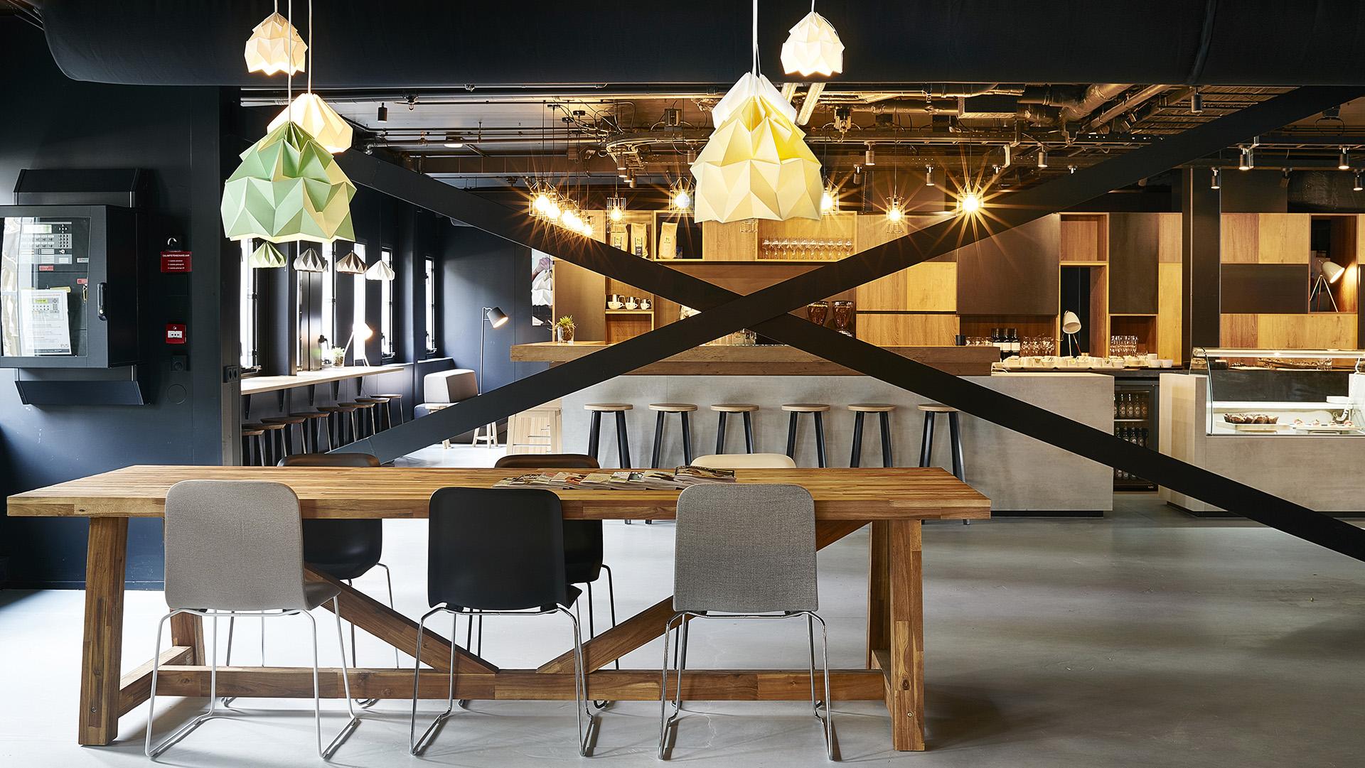 Good-Hotel-Amsterdam-Food-Table-Work-Area_307.jpg