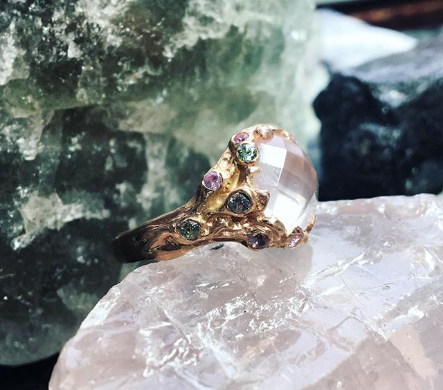 dreaming of spring, rose quartz in rose gold with a sprinkling of mermaid hued montana sapphires. over a year in the making, this one was worth the wait. more pics to come, just had to share! lil video in my story if you want to see more.💕 🌸🦚🐬🦄💎💗 #dreamring #rosequartz #rosegold #mermaid #pinkonpink #rosecut #botanicalbridal #alternativebridal #uniqueengagementring #unicornring #fantasyring #bespokejewelry #handcraftedjewelry #ethicalfinejewelry #byhandwithlove #madeiniowa #iowacityjeweler #dreamscometrue #customjewelry