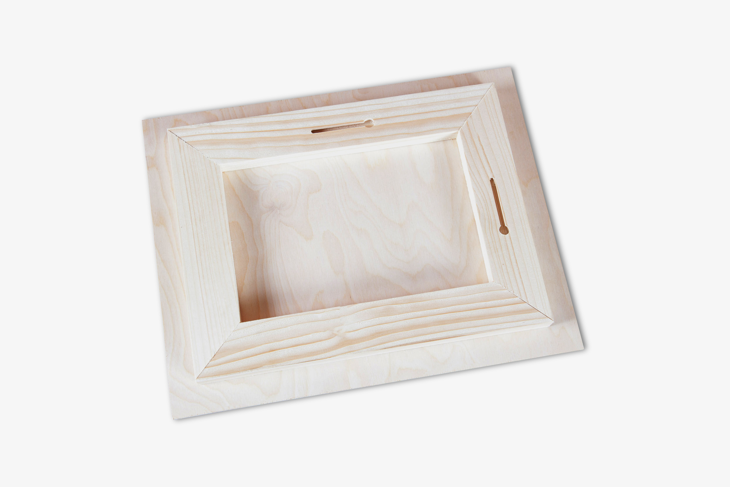Direct to Wood Standout Photo Print Keyhole Display