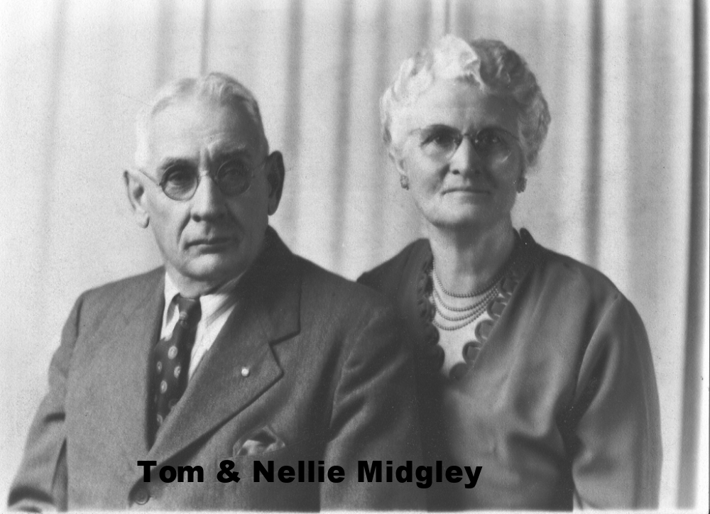MW-6 Uncle Tom & Aunt Nellie Wallace Midgly.jpg