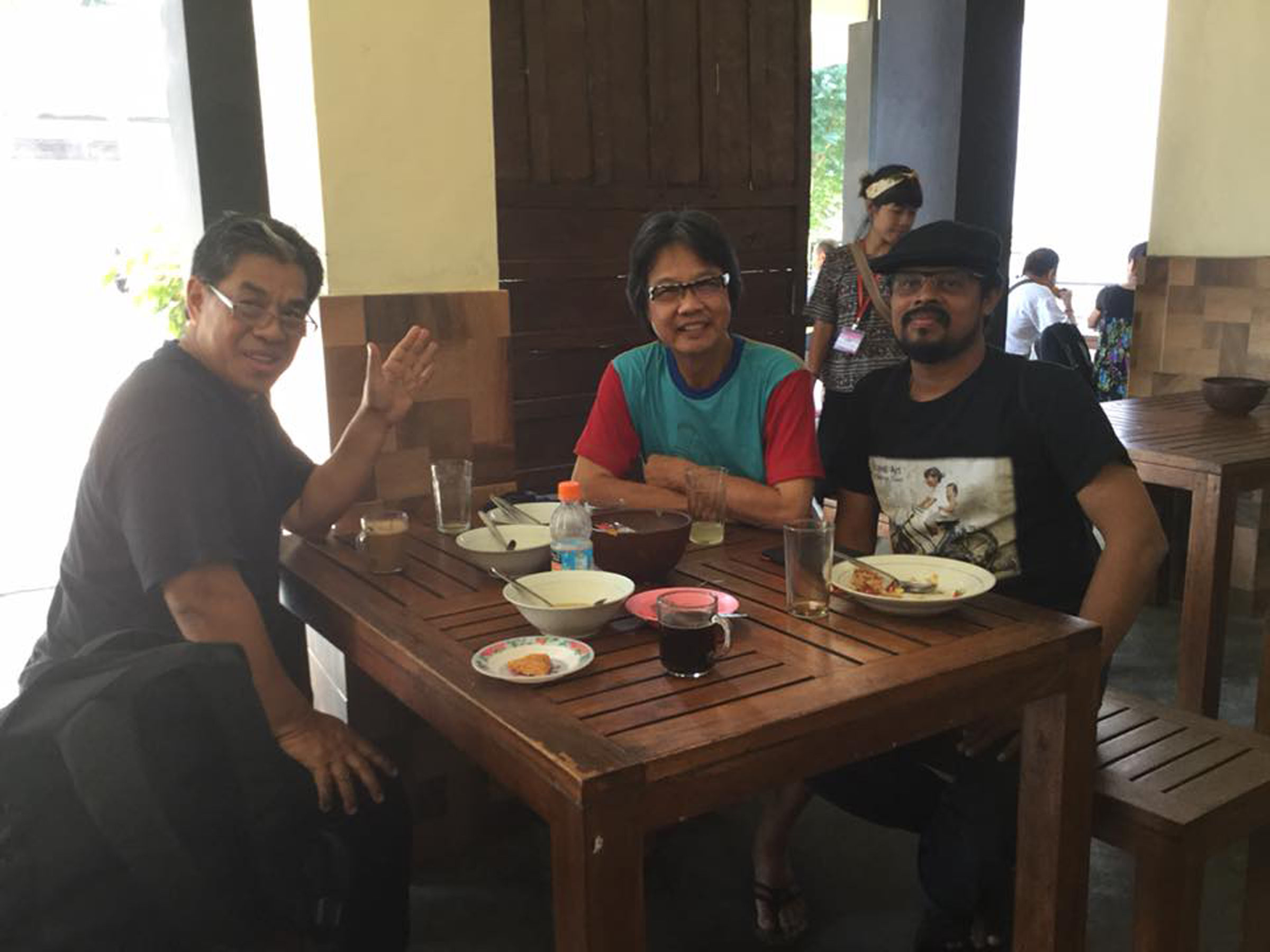d_Meal time w Rahman_Bee_Asit.jpg