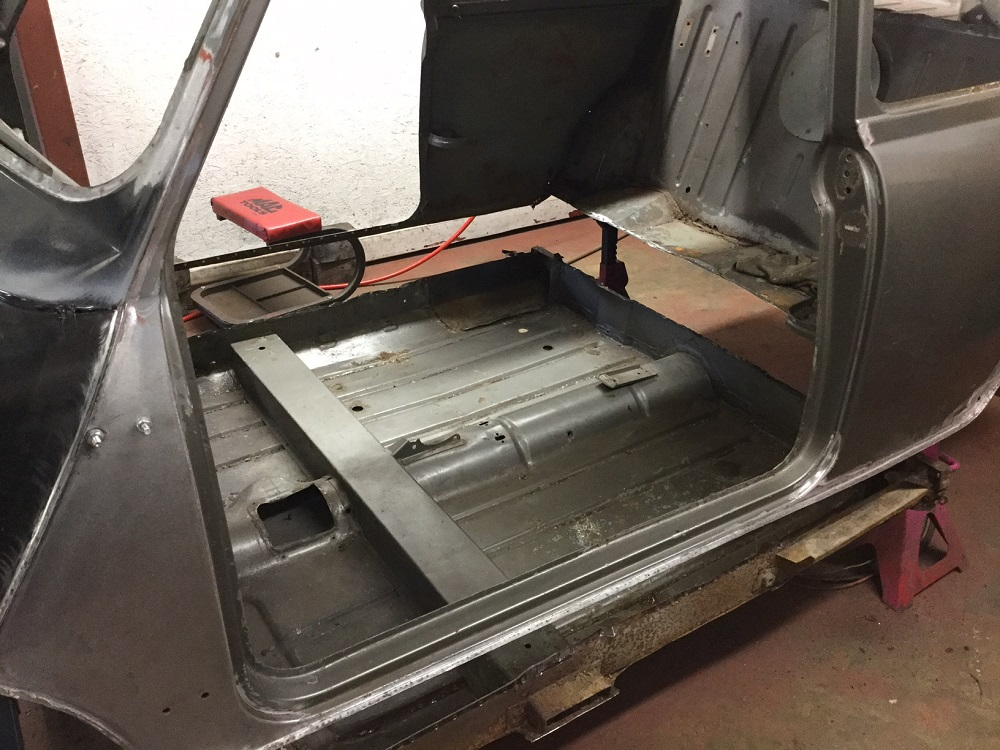 The-Real-Mini-Company-Mk1-CooperS-Floor-Painted.jpg