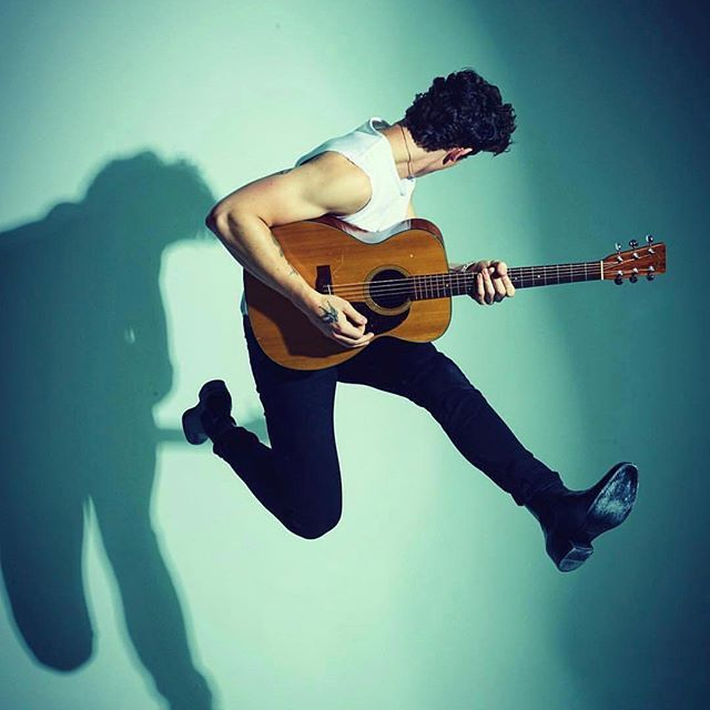 Hop on the band wagon and head to @mogulyze to create an experience of a lifetime and see Shawn Mendes The Tour up close and personal!