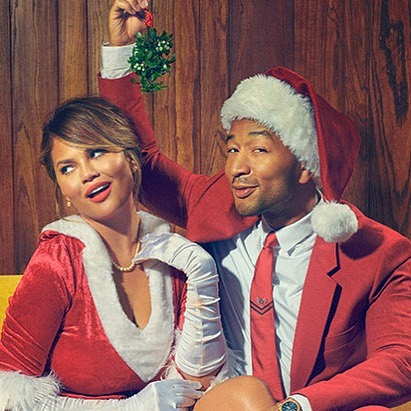 See John kiss Chrissy under the mistletoe at his Legendary Christmas Tour!