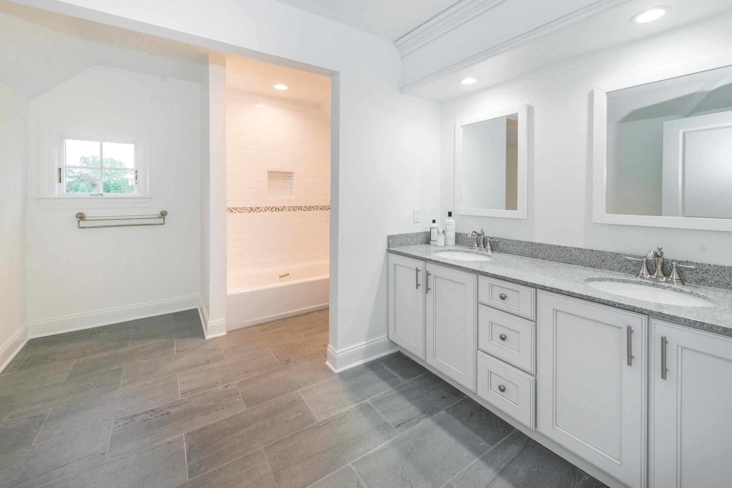 2nd Floor Main Bath - 2 Gates Lane