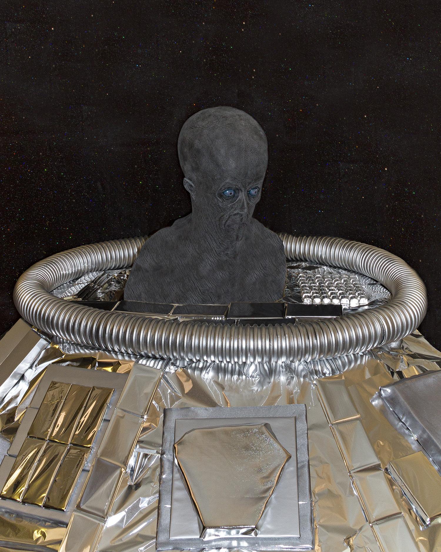alien in tower or spacecraft one.jpg