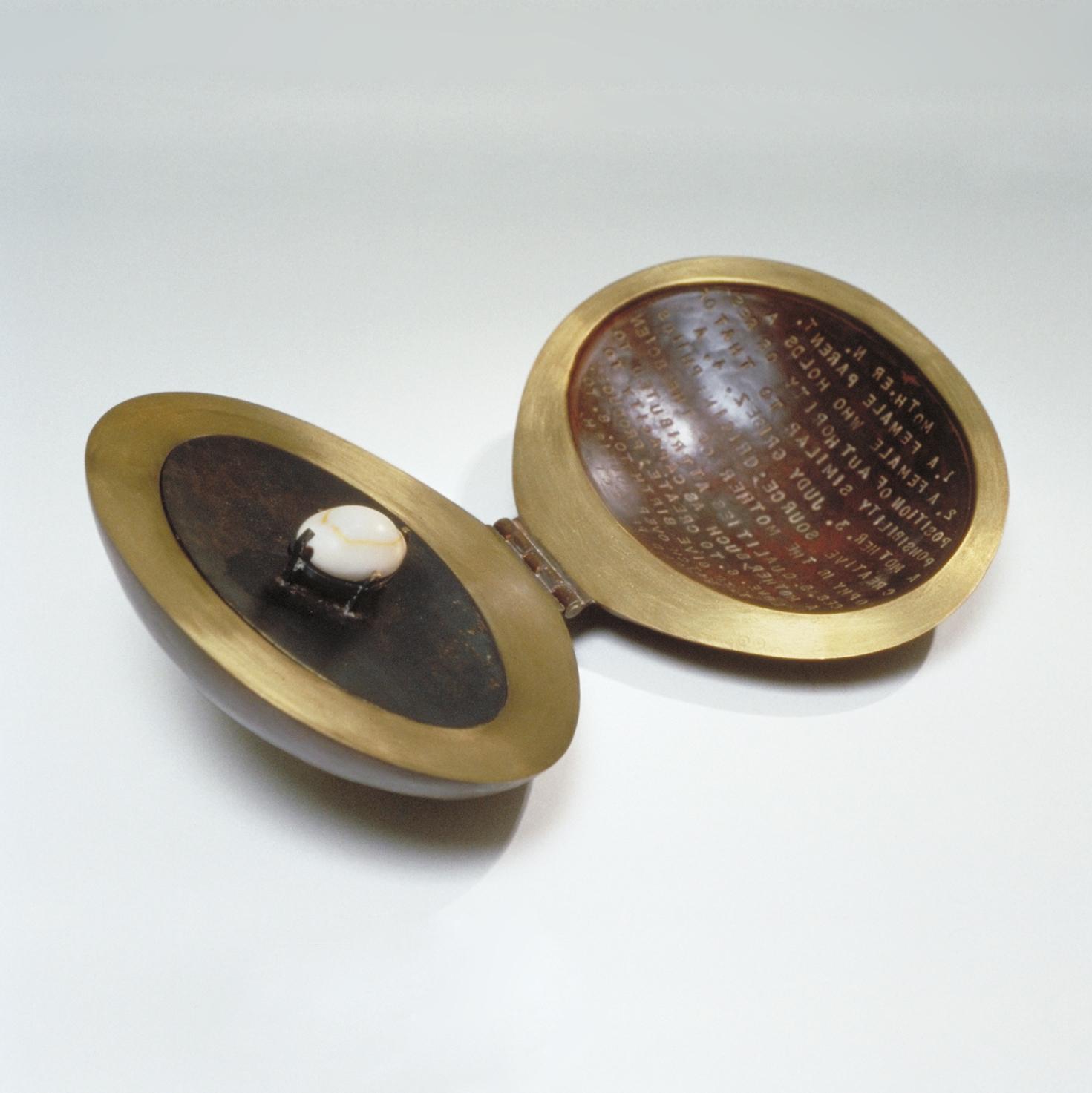 cowry-shell-box-open_CG-Sculpture-Jewelry.jpg