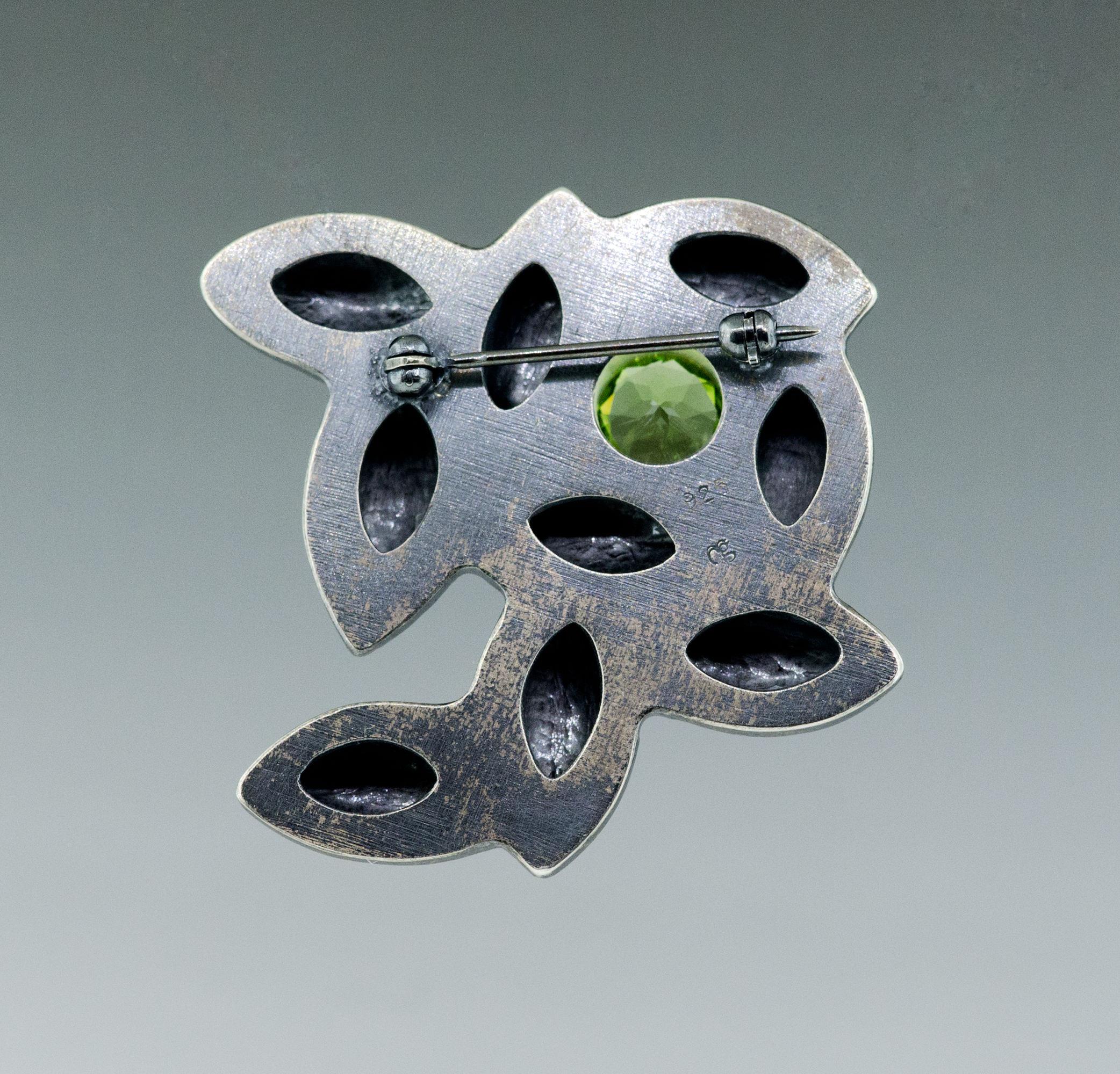 silver-green-peridot-pin-CG-Sculpture-Jewelry.jpg