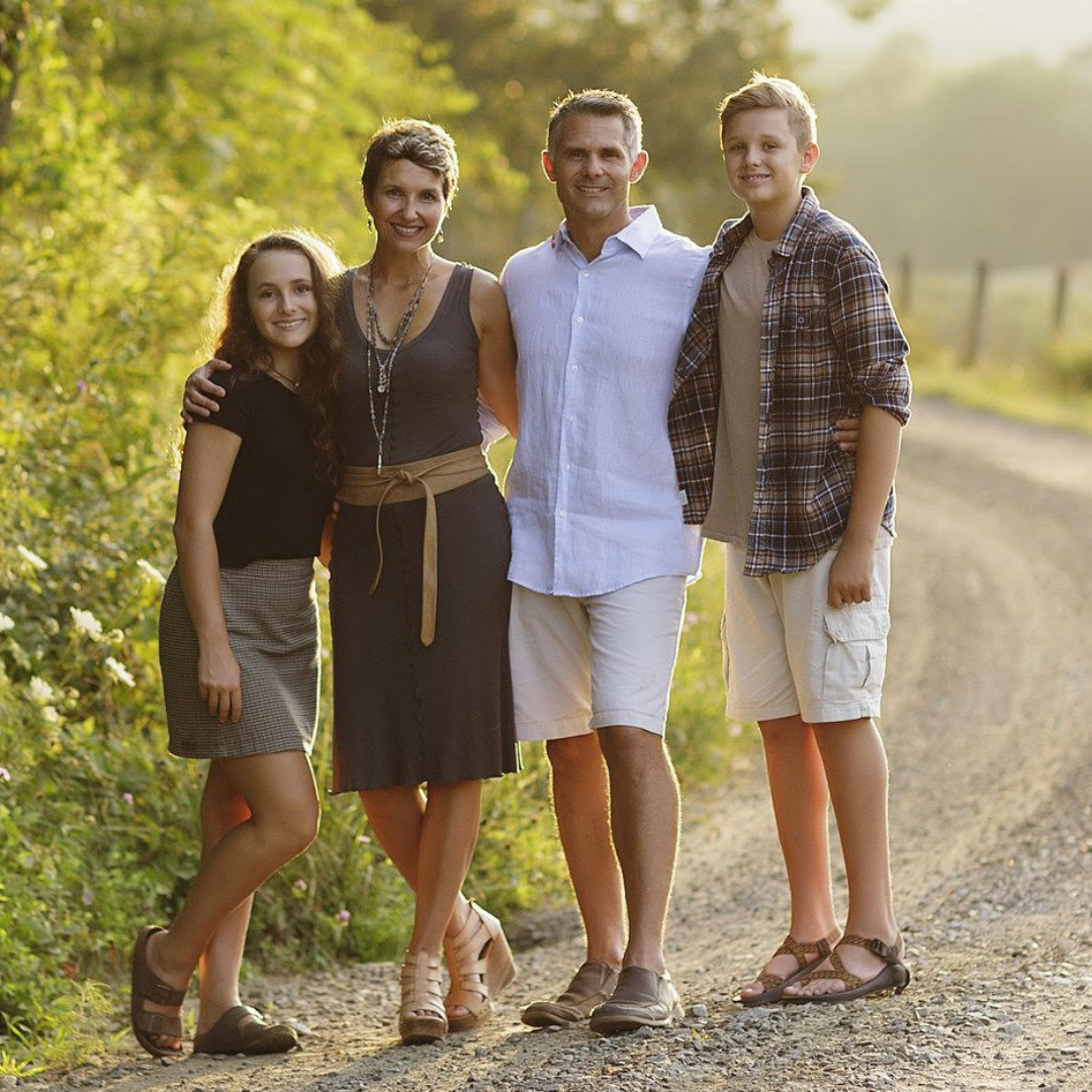 Aaron Vaughan   Hosting Team -