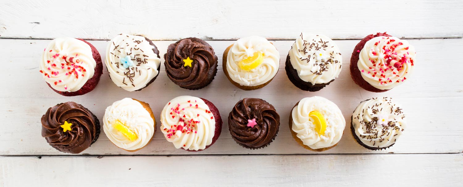 CAKES, CUPCAKES & SPECIALTY ITEMS