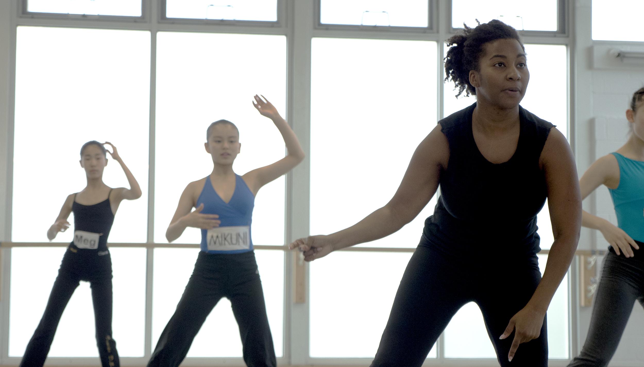 Melanie instructs visting students at The Washington School of Ballet. Photo by Gracie Corapi.