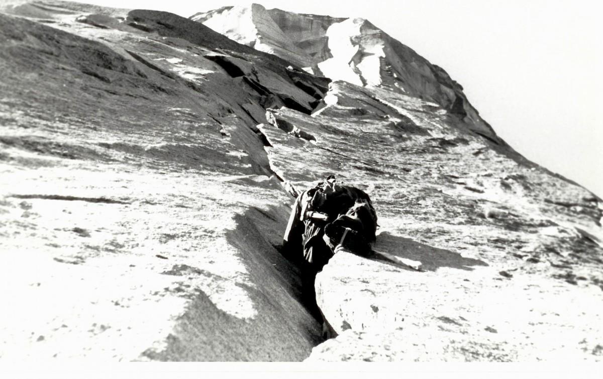 Mark Powell leading the Stoveleg cracks in 1957 during the first effort.