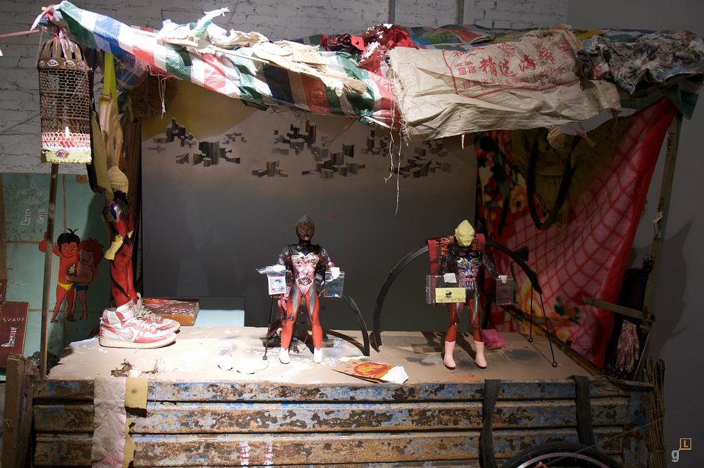 246-2009-David-Choe-Death-Blossom-Show-Beijing-Pyo-107.jpg