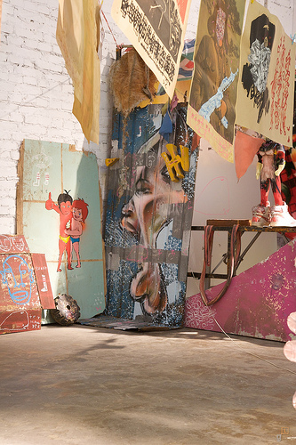 246-2009-David-Choe-Death-Blossom-Show-Beijing-Pyo-093.jpg