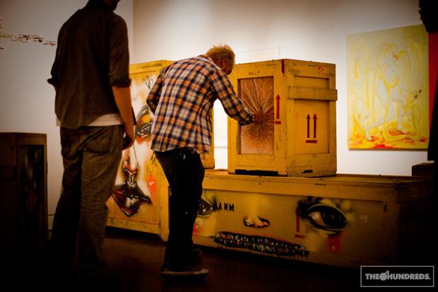 292-2009-david-choe-show-biennale-giant-robot-04.jpg
