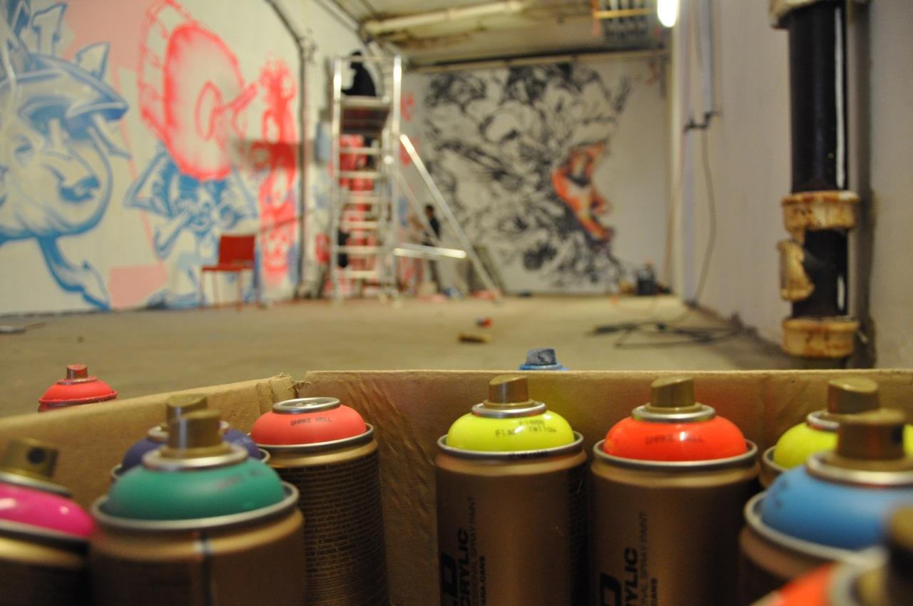 260-2011-david-choe-dvs1-street-art-nuart-festival-08.jpg