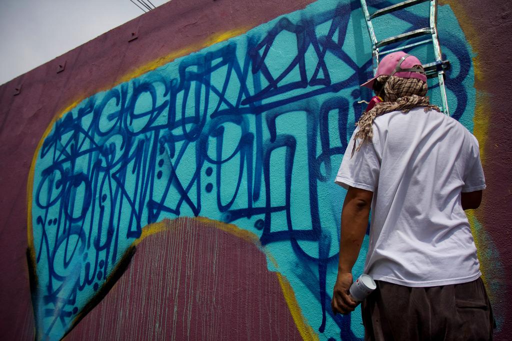 David-Choe-Aryz-Los-Angeles-mural-17