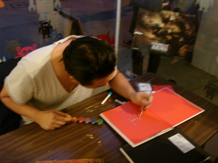 David-Choe-Signing-Giant-Robot-03