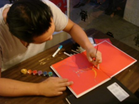 David-Choe-Signing-Giant-Robot-04