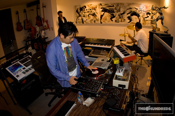 David-Choe-jams-with-Joseph-Hahn-03