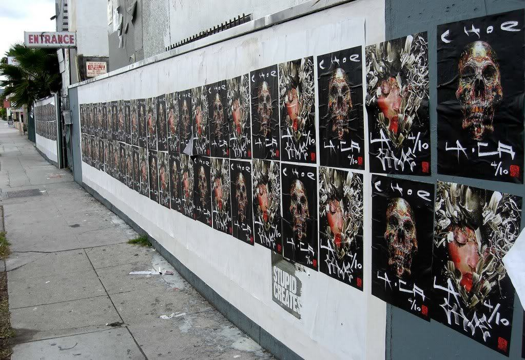 David-Choe-Pasting-Up-LA-for-His-Show-01