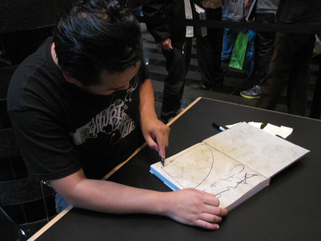 David-Choe-Signing-SFMOMA-06