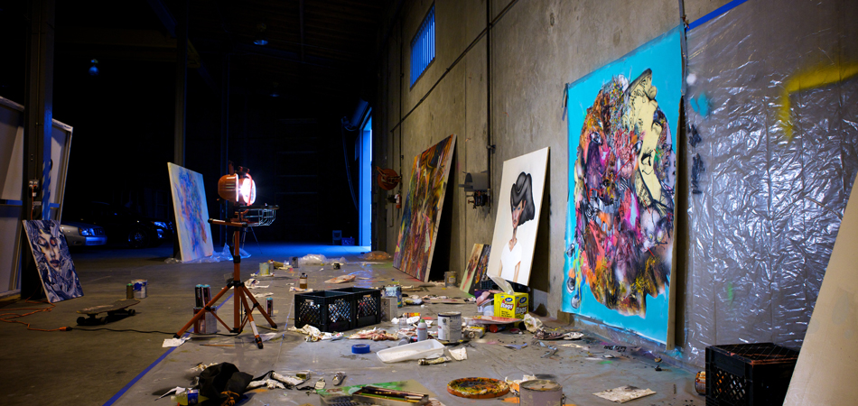David-Choe-Working-in-Studio-03