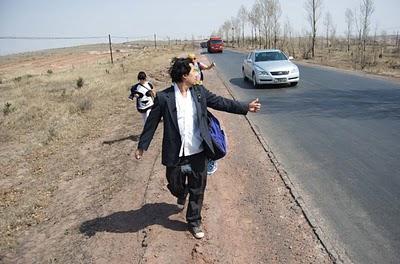 David-Choe-Thumb-Up-Season-3-from-China-01