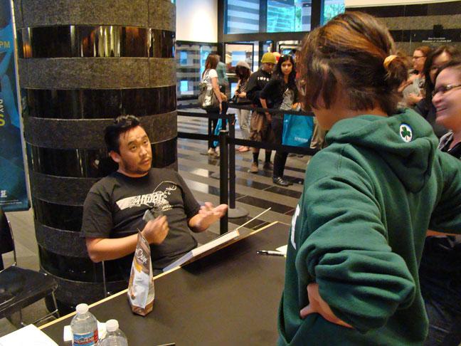 David-Choe-Signing-at-SFMOMA-02