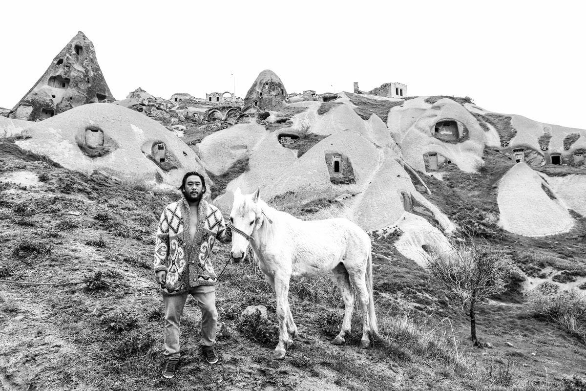 David-Choe-visits-Afghanistan-Juxtapoz-02