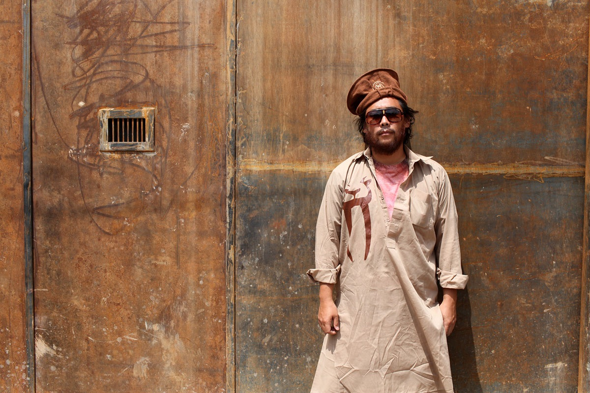 David-Choe-visits-Afghanistan-Juxtapoz-15