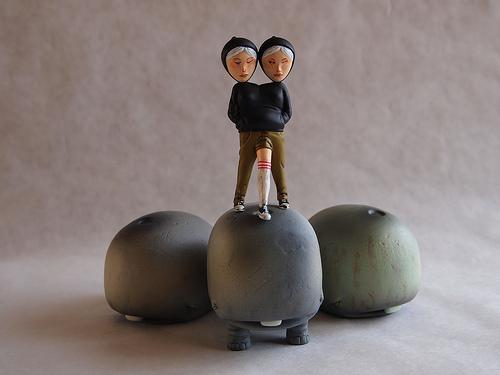 David-Choe-Munko-Siamese-Vinyl-Toys-05