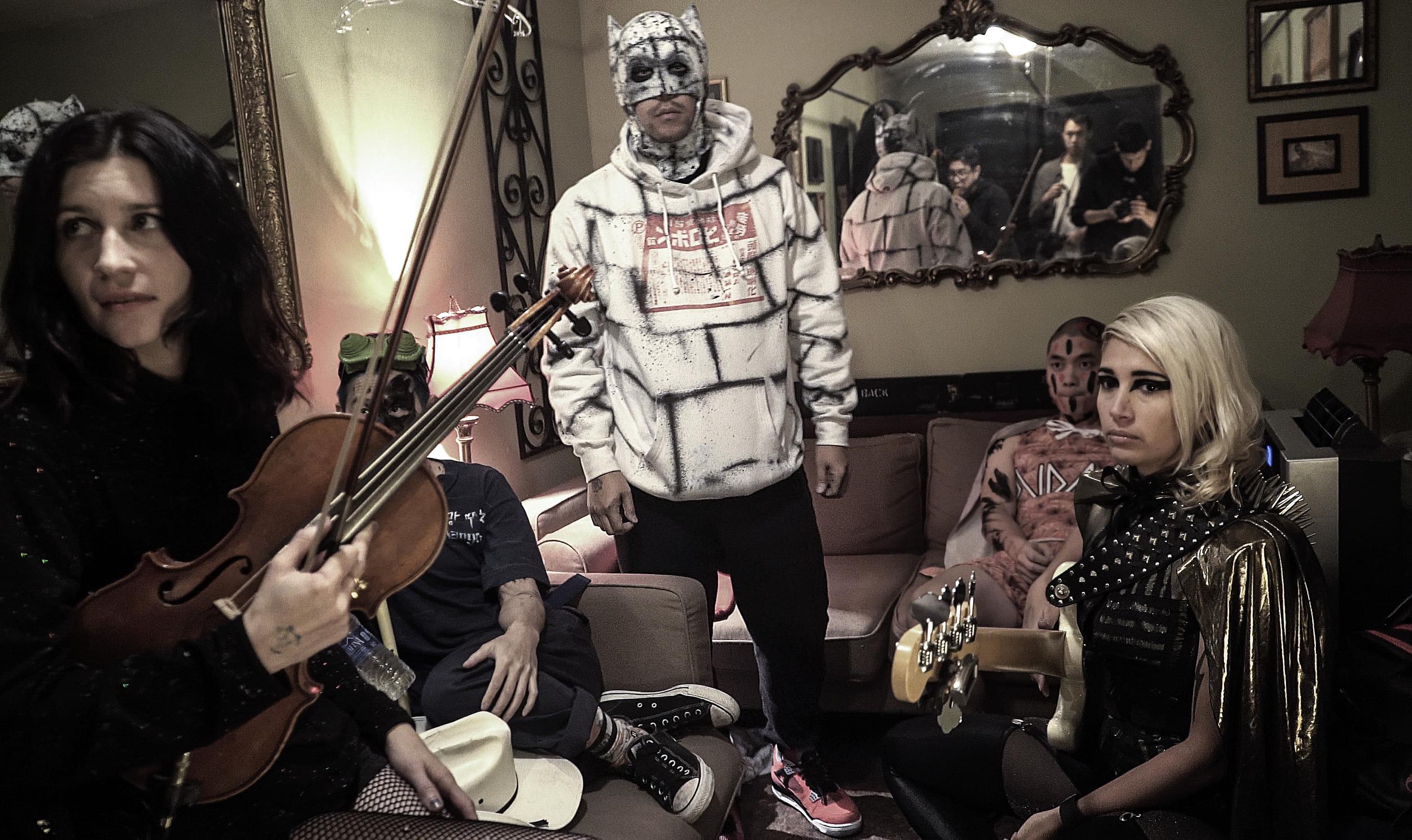 david-choe-mangchi-under-the-cobbletones-lulu-east-coast-tour-2016-tour-live-music-3.jpg