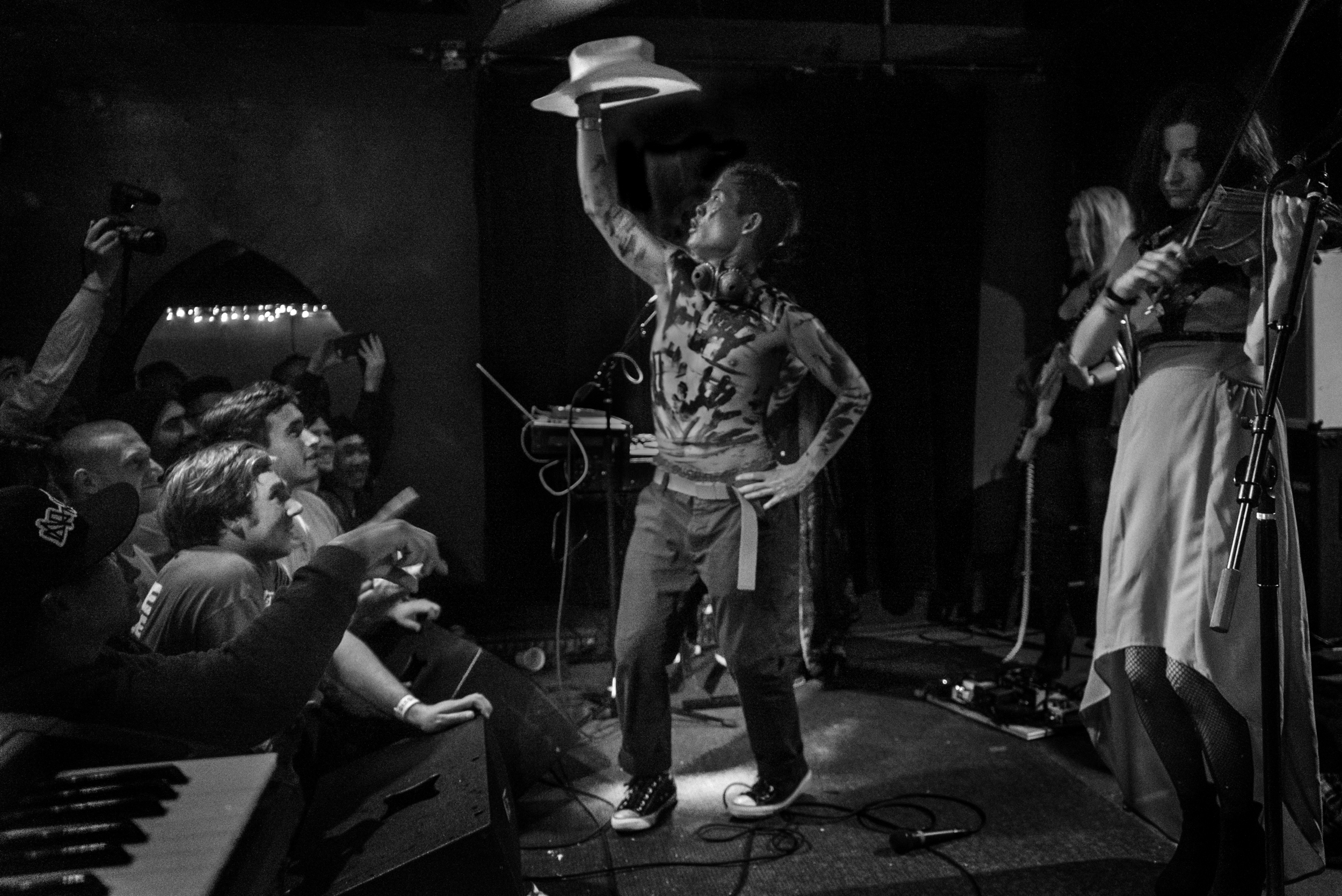 david-choe-mangchi-under-the-cobbletones-lulu-east-coast-tour-2016-tour-live-music-6.jpg