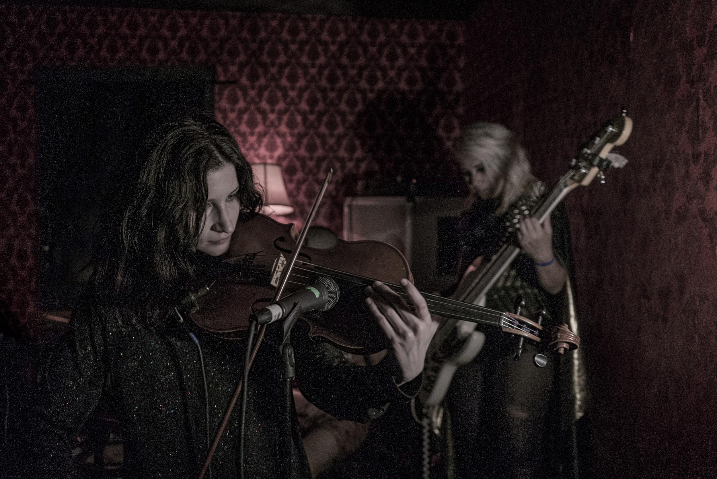 david-choe-mangchi-under-the-cobbletones-lulu-east-coast-tour-2016-tour-live-music-5.jpg
