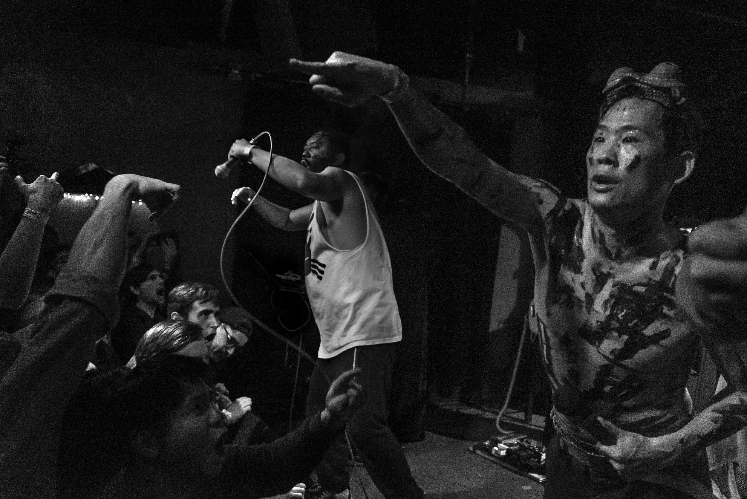 david-choe-mangchi-under-the-cobbletones-lulu-east-coast-tour-2016-tour-live-music-12.jpg